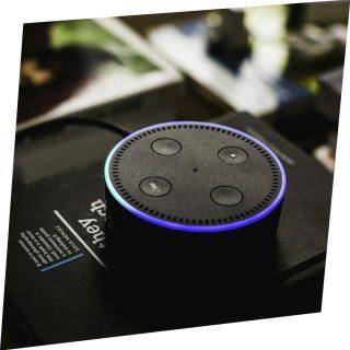 Echo Dot Amazon con Alexa nella versione nera